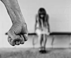Obdukcja i zaświadczenie lekarskie dla ofiar przemocy