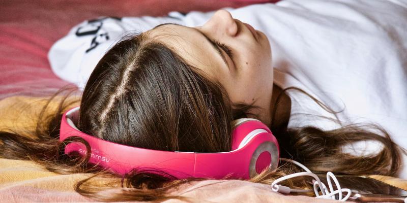Głośna muzyka – podstępny wróg słuchu