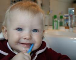 O mleczne zęby też trzeba dbać