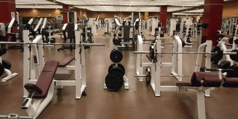 Senior na siłowni