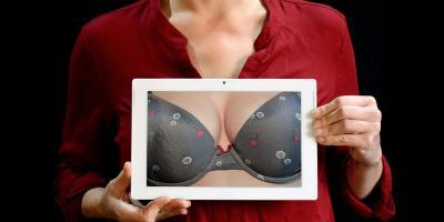Operacja powiększenia piersi niesie ryzyko powikłań