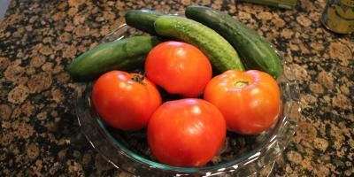 Nie należy łączyć pomidora z ogórkiem?