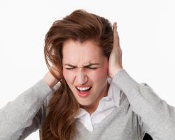 Co stosować na swędzące uszy?