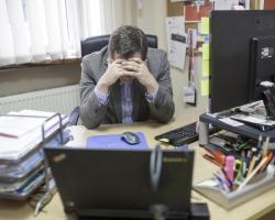 Praca biurowa może szkodzić na wiele sposobów