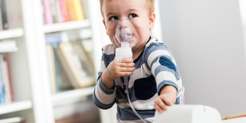 Duszność: jak rozpoznać, czy to COVID-19, czy astma
