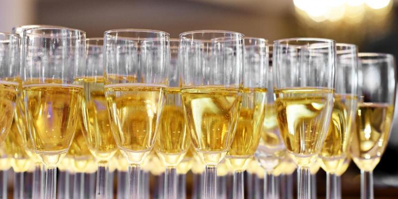 Spożywanie alkoholu w czasie izolacji - pijemy więcej?