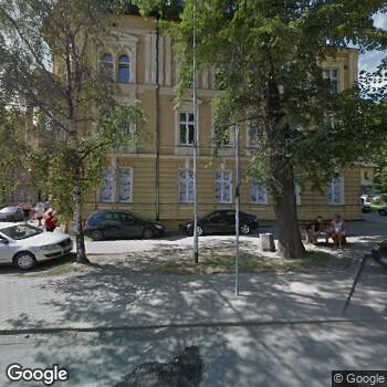 """Zdjęcie budynku """"Zespół Opieki Zdrowotnej"""" w Kłodzku"""