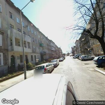 """Widok z ulicy Przychodnia """"Metis"""""""