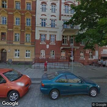 Widok z ulicy Stacja Opieki Caritas Diecezji Legnickiej