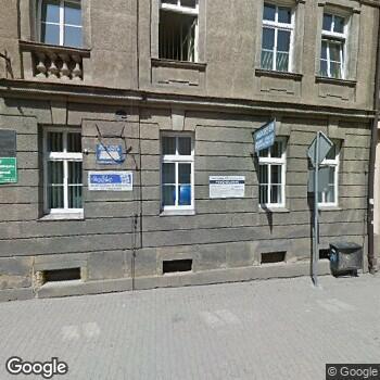 """Widok z ulicy NZOZ """"Medi-Lab"""""""