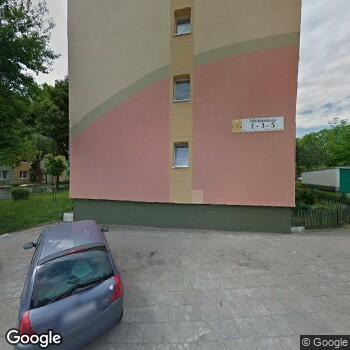 Widok z ulicy Wojewódzki Szpital dla Nerwowo i Psychicznie Chorych w Lubiążu
