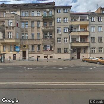 """Widok z ulicy Nadija Wasilewska Centrum Stomatologiczne """"Nadent"""""""