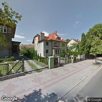Widok z ulicy IPL Halina Iskra-Kozowska