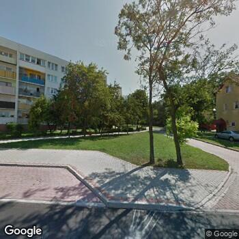 Widok z ulicy Praktyka Dentystyczna Elżbieta Jaroszewska-Kotapska