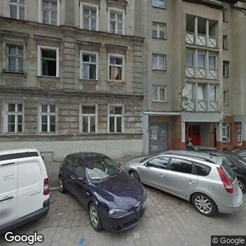 Widok z ulicy Prywatna Praktyka Stomatologiczna Amdental Agata Młyńczak
