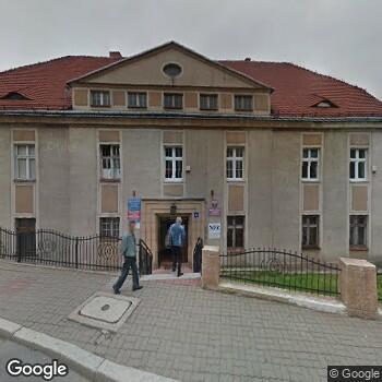 Widok z ulicy Prywatny Gabinet Stomatologiczny Rafał Estreicher