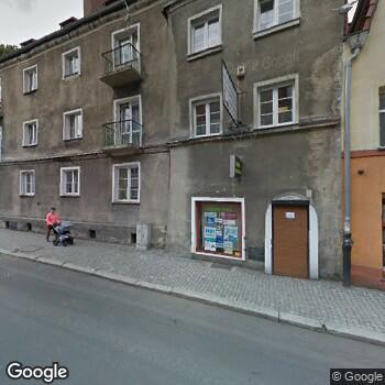 Widok z ulicy Grupowa Praktyka Lekarsko-Pielęgniarska Rudzińscy