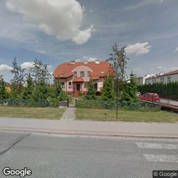 Widok z ulicy Jarosław Sielski NZOZ Salus