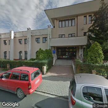Widok z ulicy Maria Bujnowska-Fedak Modelowa Praktyka Lekarza Rodzinnego
