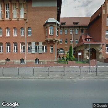 Widok z ulicy Centrum Stomatologii Szkolnej