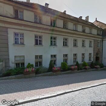 Zdjęcie z ulicy Strońskie Centrum Medyczne im. Marianny Orańskiej Maria Dukat-Krzonkalla Wojciech Krzonkalla