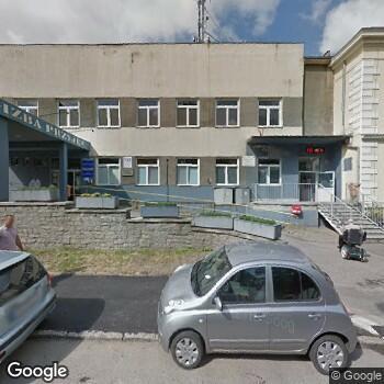 Widok z ulicy Jaworskie Centrum Medyczne