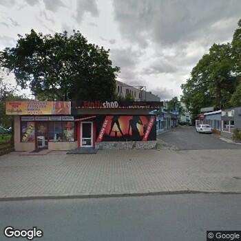 Widok z ulicy NZOZ Mcd Voxel w Jeleniej Górze