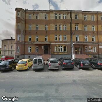 Widok z ulicy Przedsiębiorstwo Lecznicze Salus