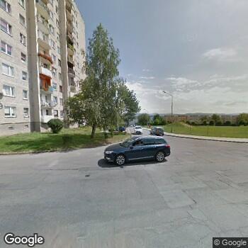 Widok z ulicy Specjalistyczne Centrum Fizjoterapii Gawmed Anna i Bartosz Brandowscy