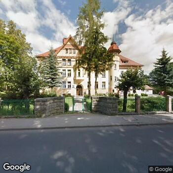 Widok z ulicy SPZOZ Szpital Specjalistyczny Ministerstwa Spraw Wewnętrznych w Jeleniej Górze