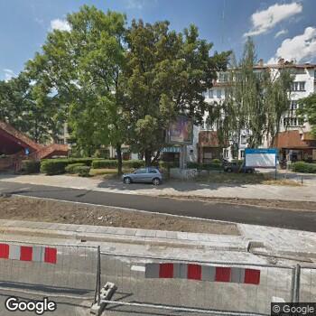 Widok z ulicy NZOZ Uromedical Ośrodek Kruszenia Kamieni Moczowych