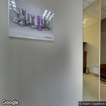 Widok z ulicy Iwona Szuster Prywatny Gabinet Ortodontyczny