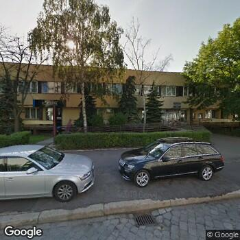 """Widok z ulicy Przychodnia """"Starmed"""" Staromiejskie Centrum Medyczne"""