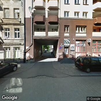 Widok z ulicy Alicja Włodarczyk Gabinet Stomatologiczny