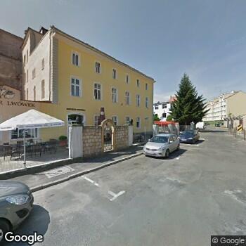 Widok z ulicy Centrum Medyczne Medvita