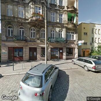 Widok z ulicy Ekumeniczna Stacja Opieki - Centrum Pielęgniarstwa Rodzinnego, Rehabilitacji i Opieki Paliatywnej we Wrocławiu