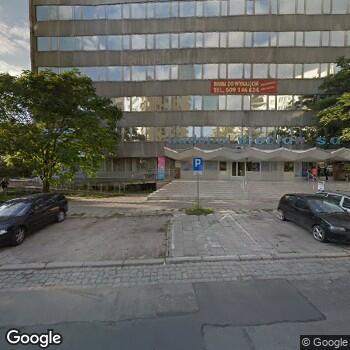 Widok z ulicy Aavita Lekarska Przychodnia Leczniczo- Profilaktyczna
