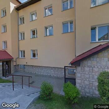 Widok z ulicy IPL Gabinet Stomatologiczny Monika Łobaczewska - Rogalska
