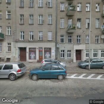 Widok z ulicy Prywatny Gabinet Stomatologiczny Angela Berdel Jarmuszczak