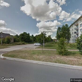 Widok z ulicy 105 Szpital Wojskowy z Przychodnią SPZOZ