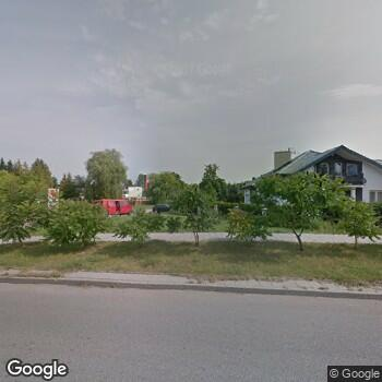 Widok z ulicy ISPL Gab. Stomat. Małgorzata Ostrowska
