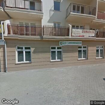 Widok z ulicy NZOZ Przychodnia Rogowscy