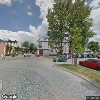 Widok z ulicy IPS Gertruda Jaksina