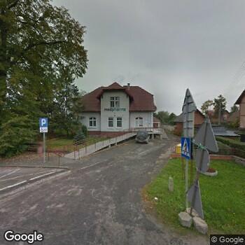 Widok z ulicy NZOZ Nova Dentica Patrycja Markowska-Kawczyńska