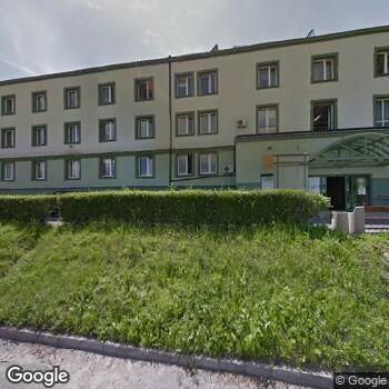 Widok z ulicy Miejski Zespół Opieki Zdrowotnej w Lędzinach