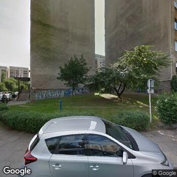 Widok z ulicy Gabinet Stomatologiczny Barbara Goering-Pierożek