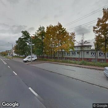 Widok z ulicy Centrum Medyczne Mavit
