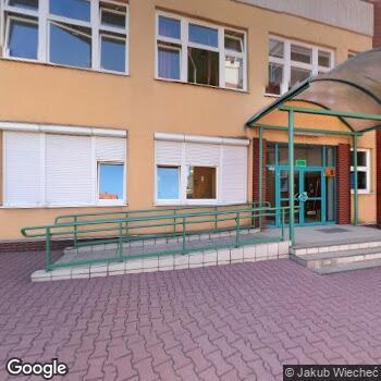 Widok z ulicy Gabinet Stomatologiczny Dominika Szczepanek