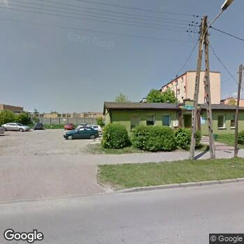 Widok z ulicy NZOZ Is-Med Przychodnia Specjalistyczna w Jędrzejowie