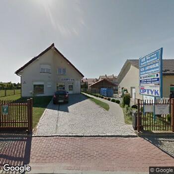 """Widok z ulicy NZOZ """"Oko-Med"""" L. Domagała, M. Tylkowska"""